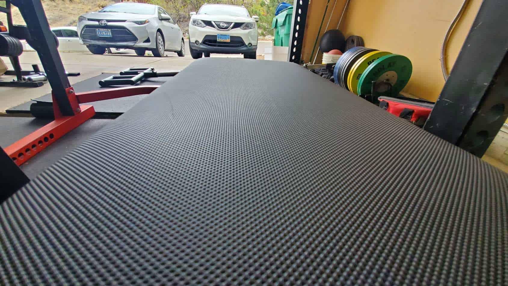 AB-5200 grippy vinyl ultra-dense foam core back pad